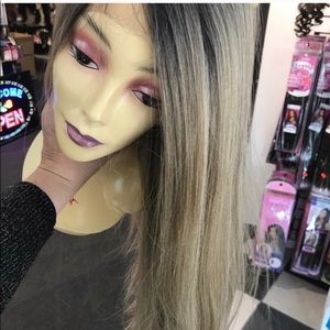 Ash blonde ombré black roots Long middle part wig